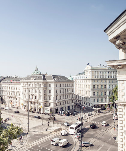 Magnificent view to the Viennese Ringstraße and the surrounding of Grand Ferdinand hotel.