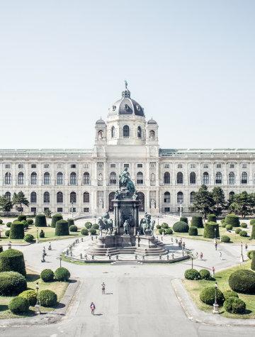 Das Kunsthistorische Museum und davor das Maria-Theresien-Denkmal am gleichnamigen Platz.