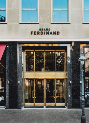 The entrance to the Grand Ferdinand hotel.